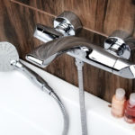 Выбираем современный смеситель для ванной